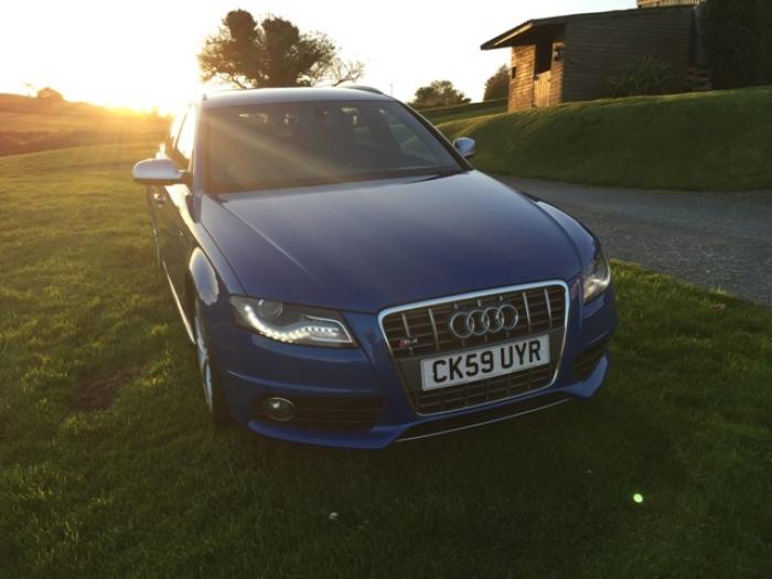 Audi devon service hours 10